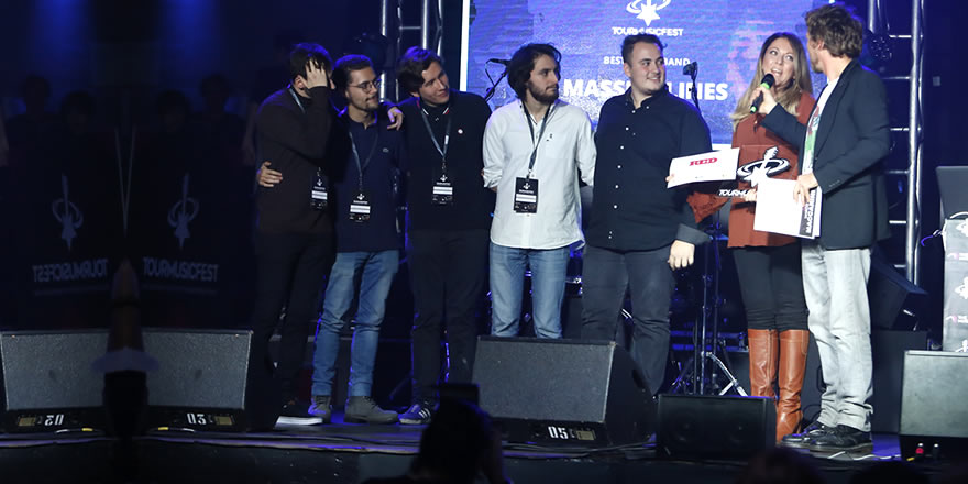 Cover band of the year: intervista ai Massive Lines