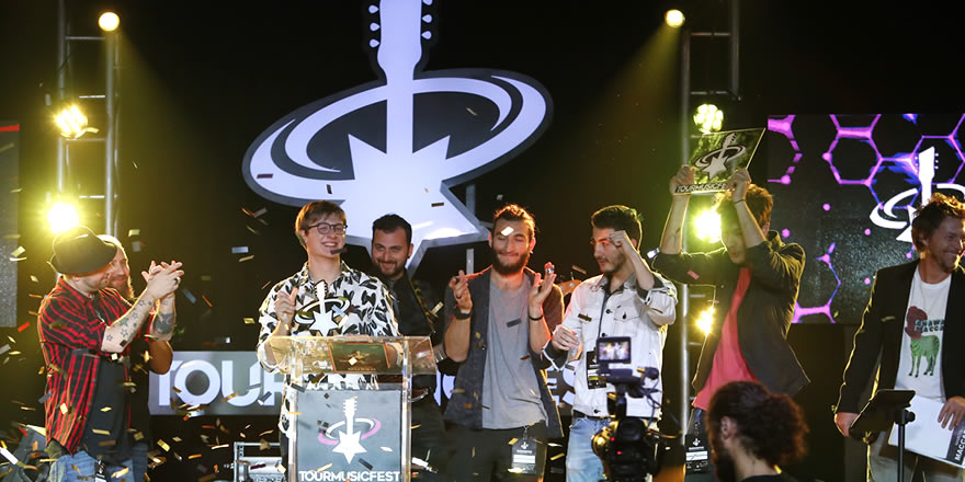 ORIGINAL BAND OF THE YEAR E PREMIO DELLA CRITICA: INTERVISTA AGLI STAIN